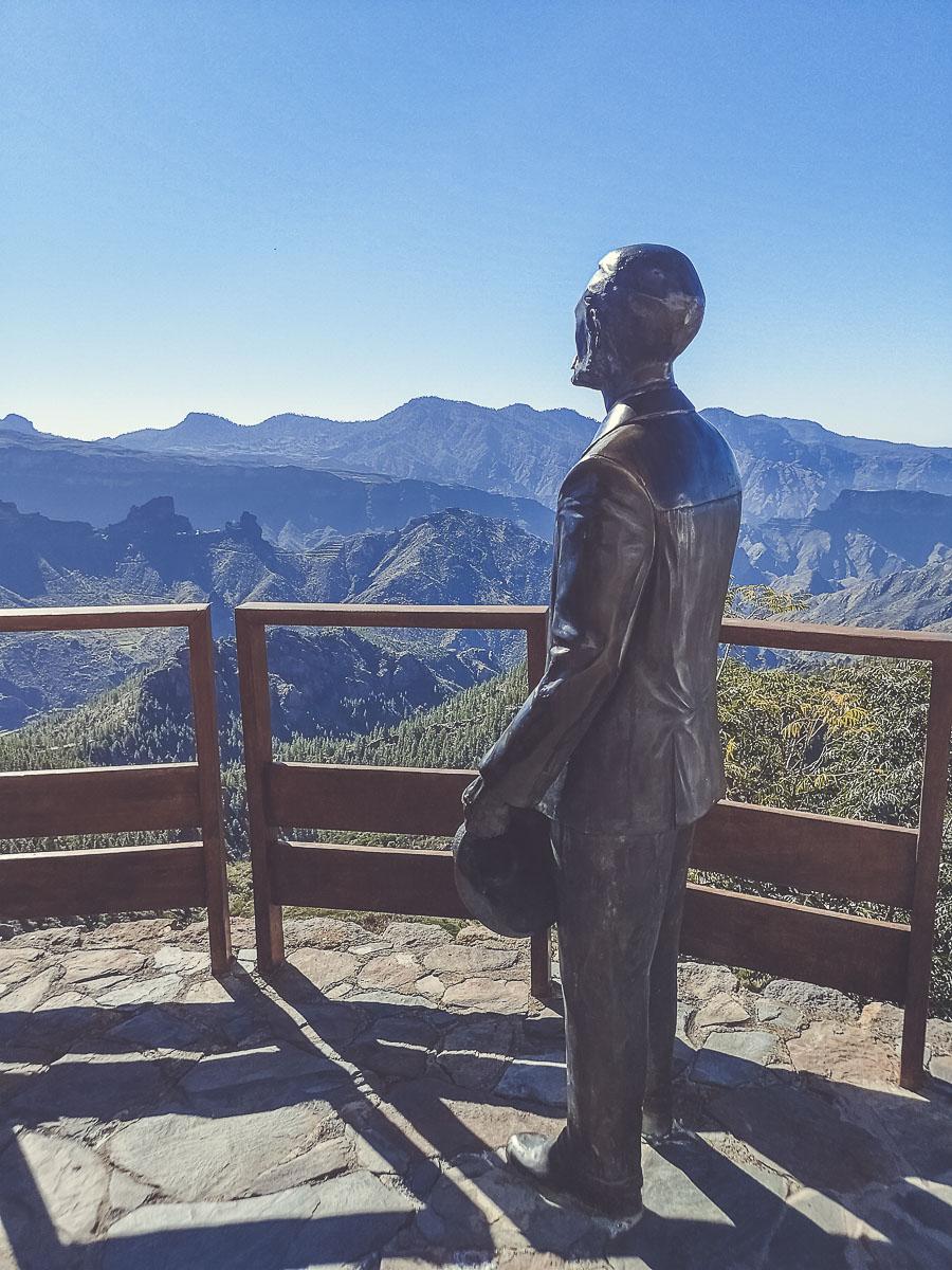 Contemplar las vistas desde el Mirador de Unamuno