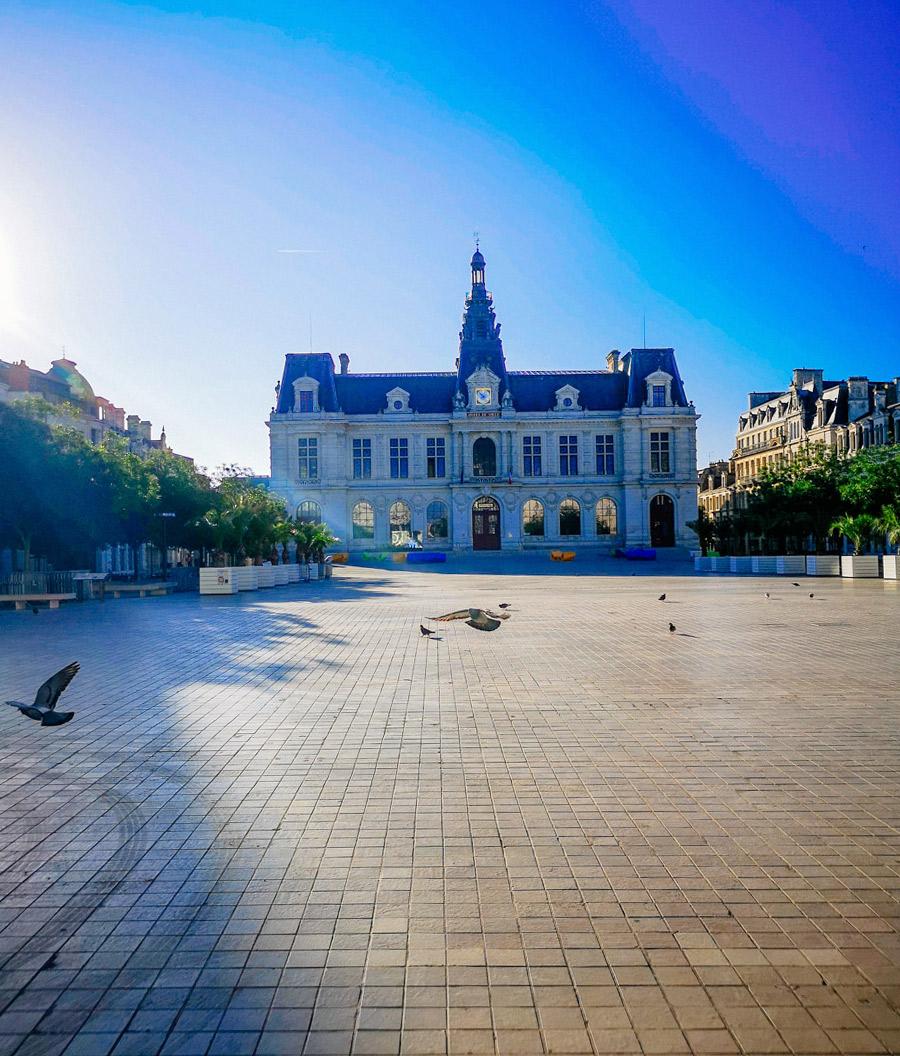 El ayuntamiento de Poitiers