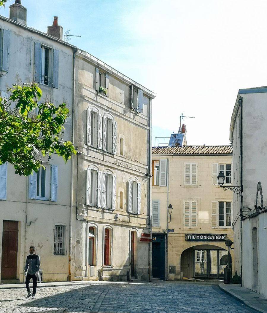 Una calle en la Rochelle