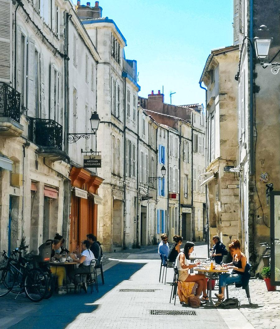 Una calle con encanto en La Rochelle