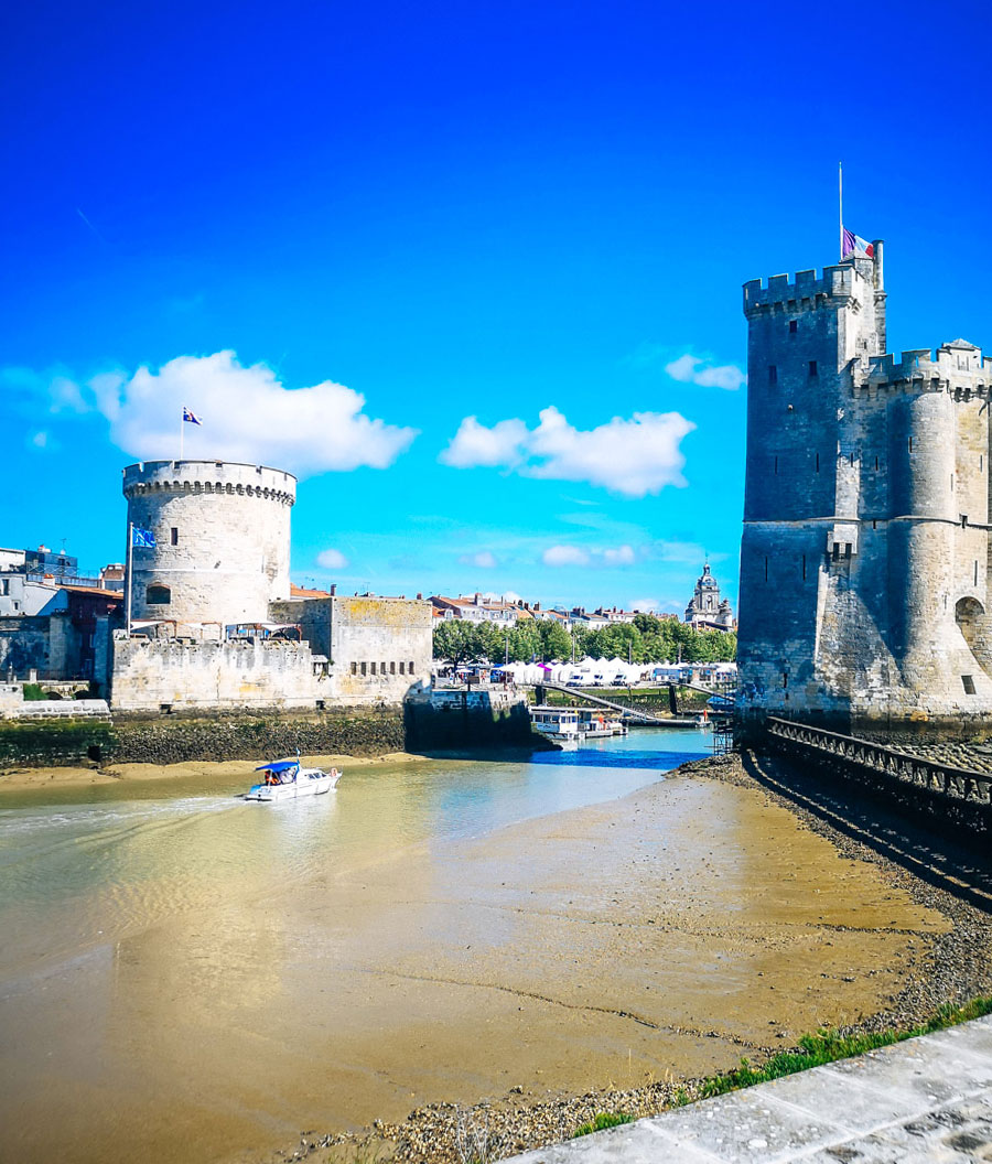 Las tres torres: puertas de entrada a la ciudad