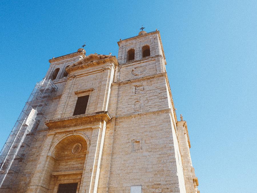 la Iglesia de Cigales