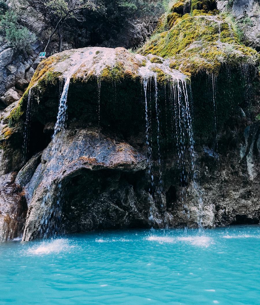 Una de las cascadas del cañon