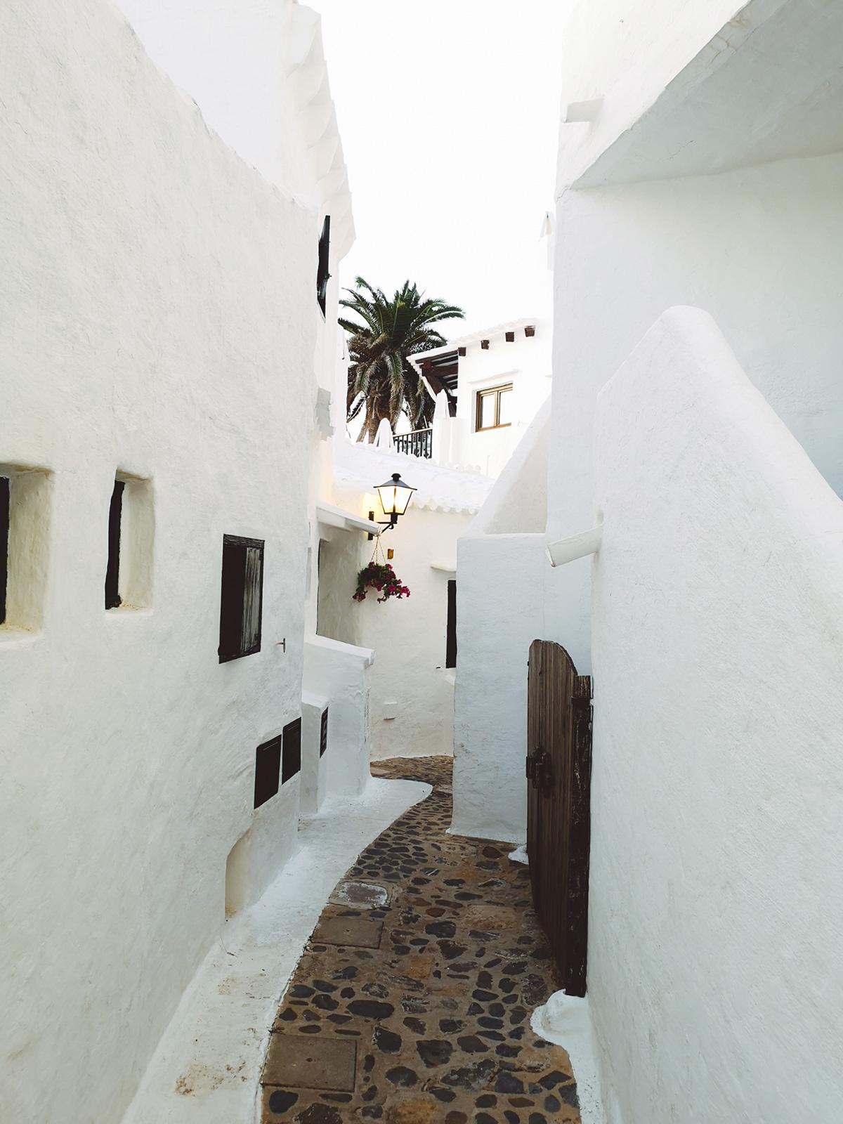 Una calle de Binibeca